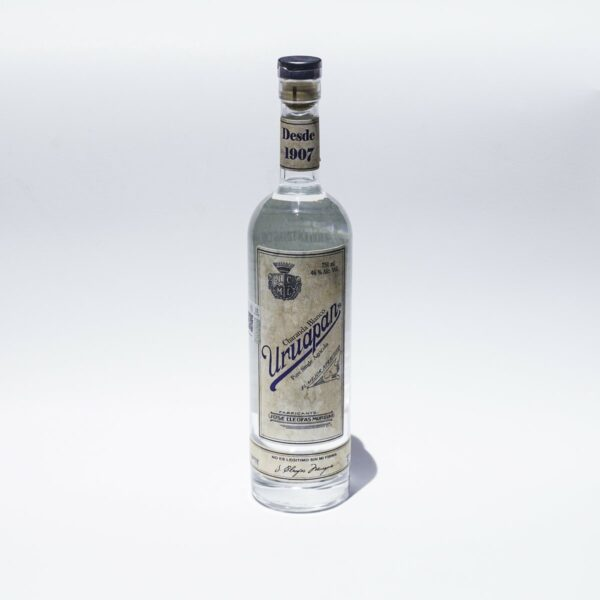 Charanda Uruapan Antiguo Blanco 750 ml.
